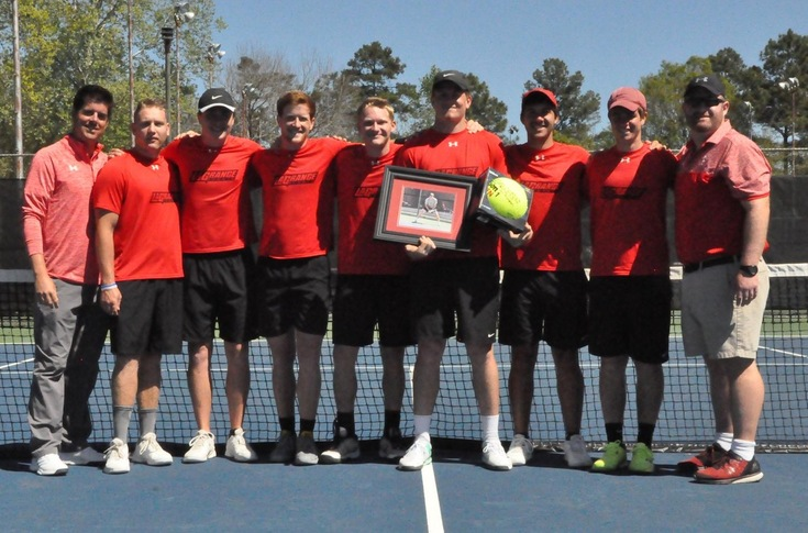 Men's Tennis: Senior Drew Cantrell honored before Panthers' match with Covenant