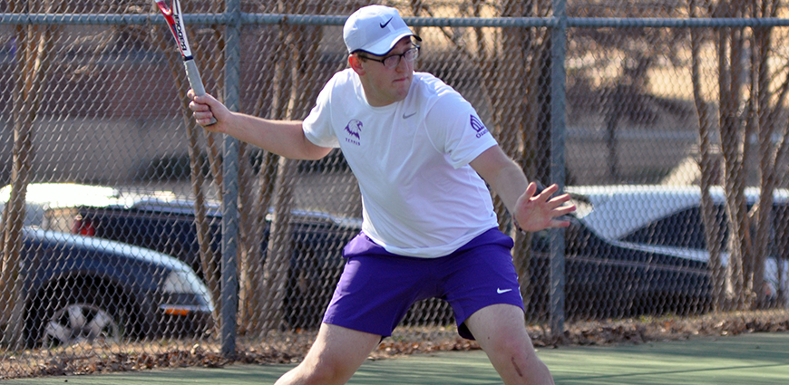 Men's Tennis Team Drops Matches In Conway