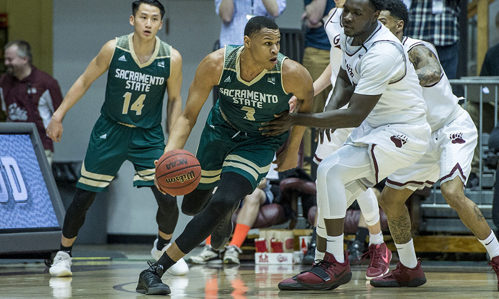 MEN'S BASKETBALL NEARLY BEATS CONFERENCE UNBEATEN MONTANA, BUT FALLS, 71-69, IN OVERTIME