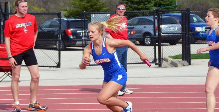 Women's Track & Field competes at Carroll Invite