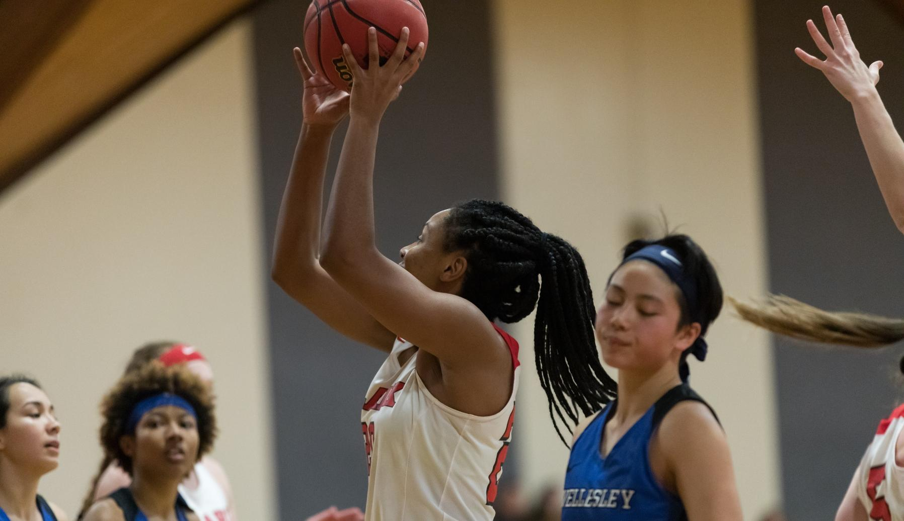 Women's Basketball Soars to Victory at Mount Holyoke, 75-37