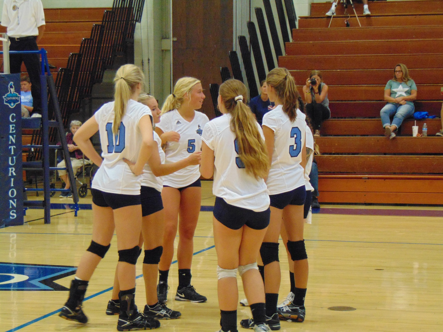 Volleyball Earns EPAC Victory