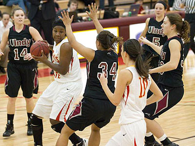 Women's Hoops Hosts Urbana Wednesday