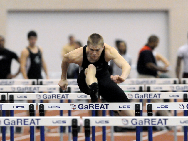 Snyder Runs Fifth in Prelims, Qualifies for 400 Hurdle Finals