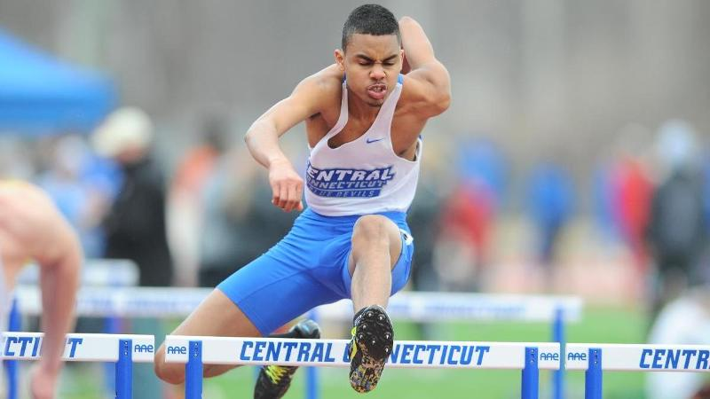 Men's Track and Field Third at Minutemen Invitational
