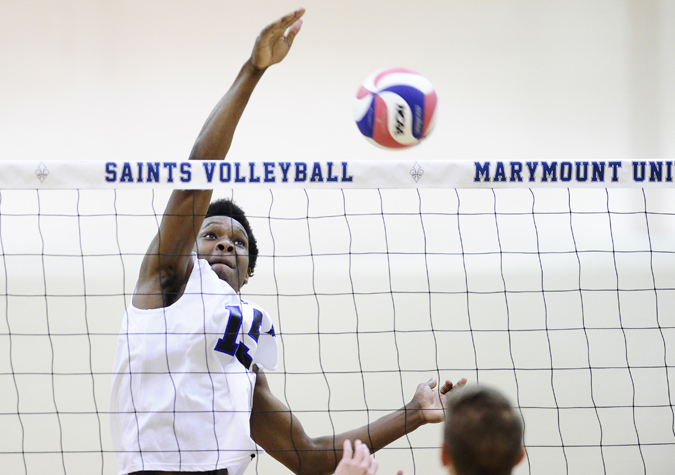 Saints rally for three-straight sets to top Thiel in five