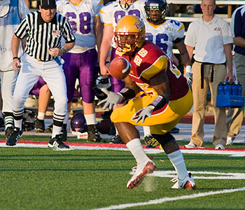 Ferris' David Johnson hauls in a pass against Ashland (Photo by Ed Hyde)