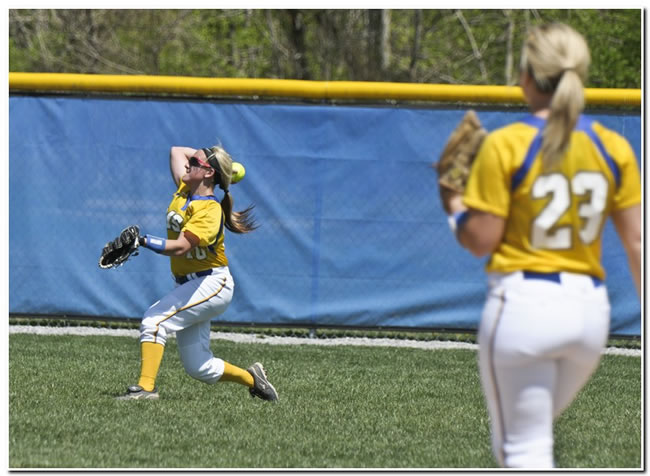 Lions' softball team runs winning streak to four with two victories on Friday