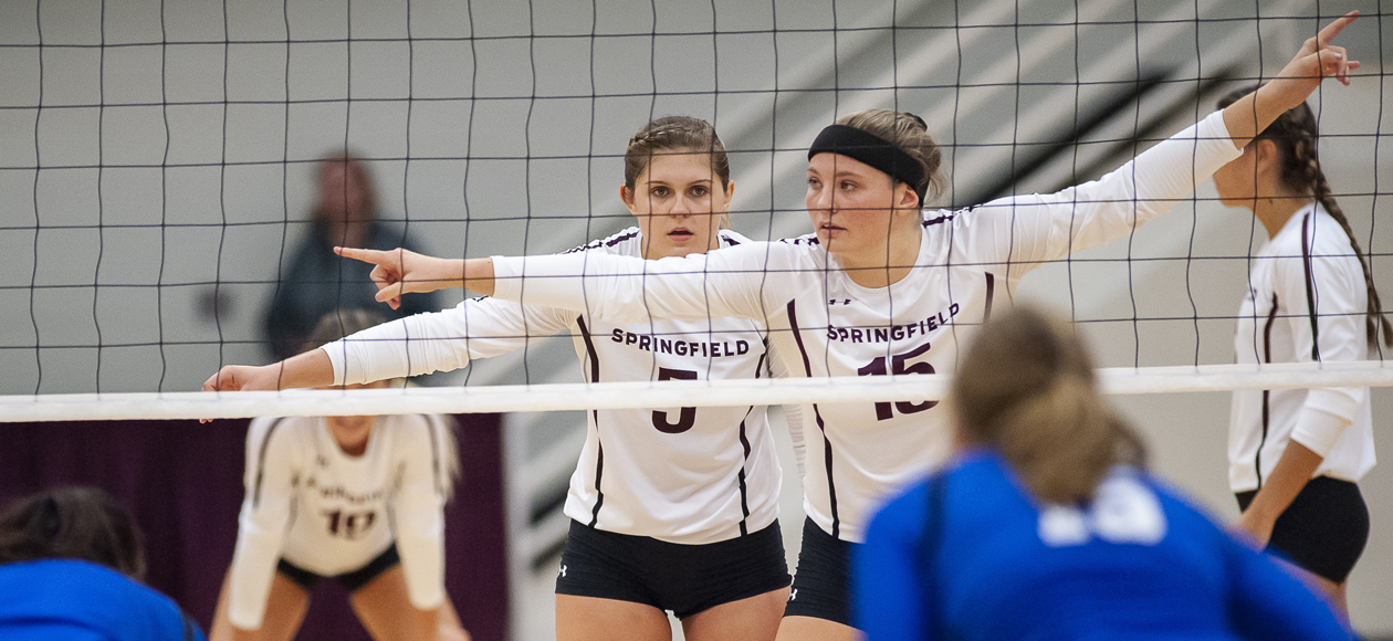 Women's Volleyball Handles Westfield State In Straight Sets