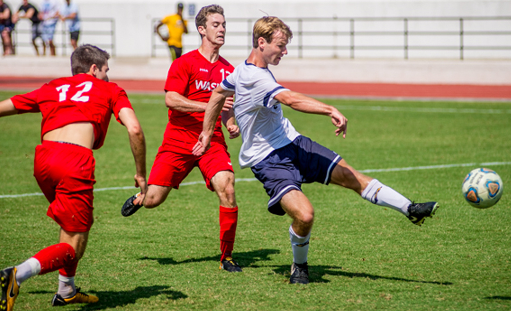 Men's Soccer Knocks Off #16/17 WashU, 2-1, for Fifth Consecutive Win