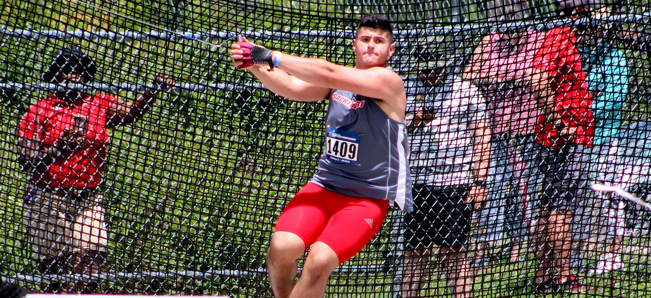 Men's Track & Field Competes at John Thomas Terrier Invite