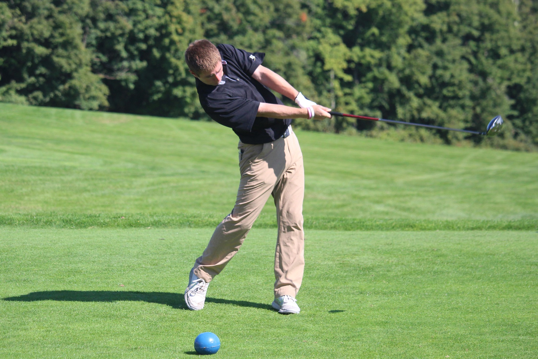 Golf Finishes 10th At NEIGA To Wrap Up Season