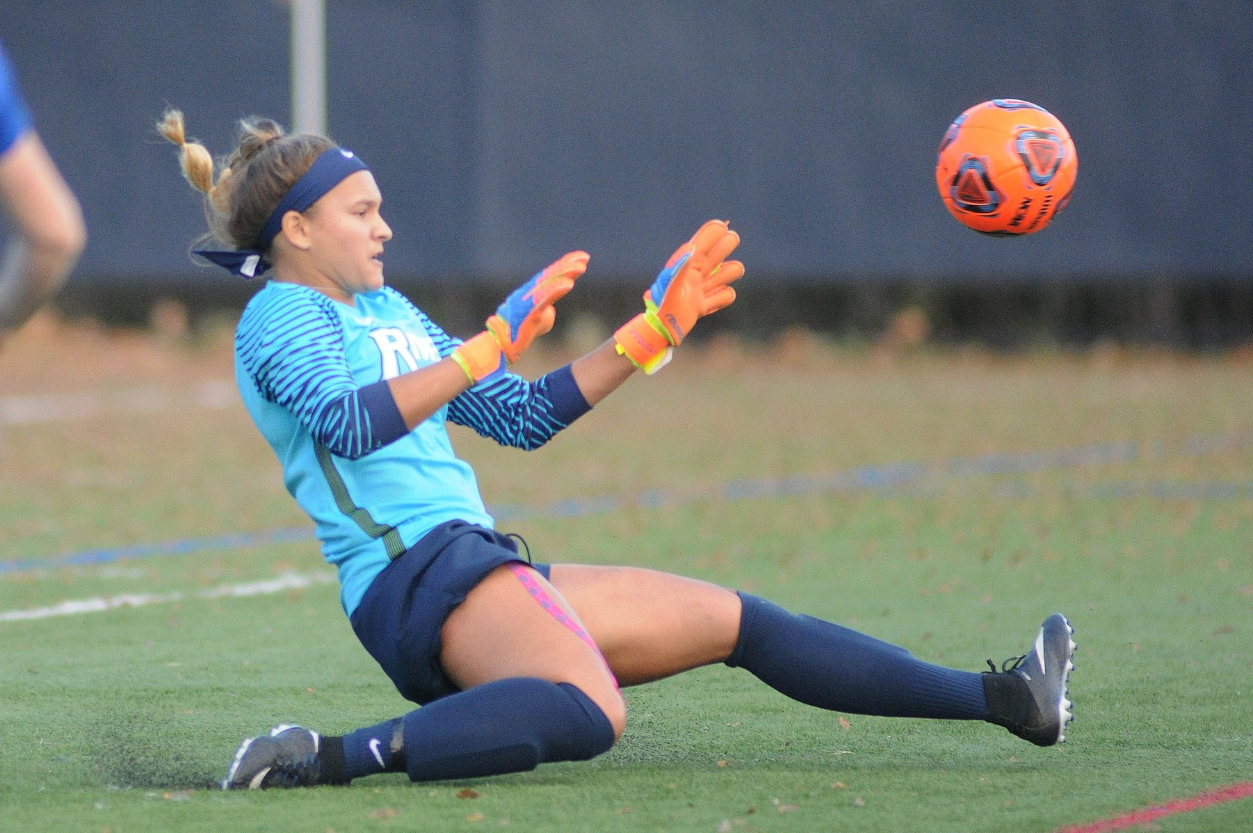 Women's Soccer: Smith makes 11 saves in loss to JWU