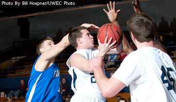 Men's Basketball Routed by Ranked Stevens Point