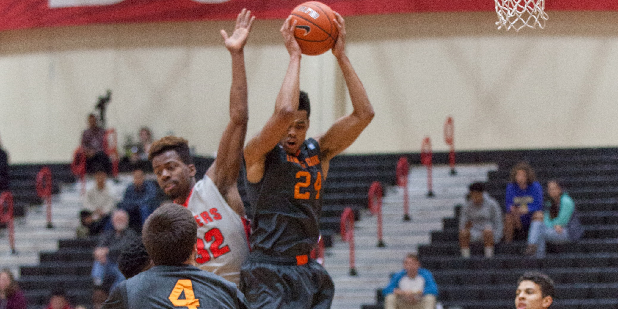 Lewis & Clark holds on to road victory