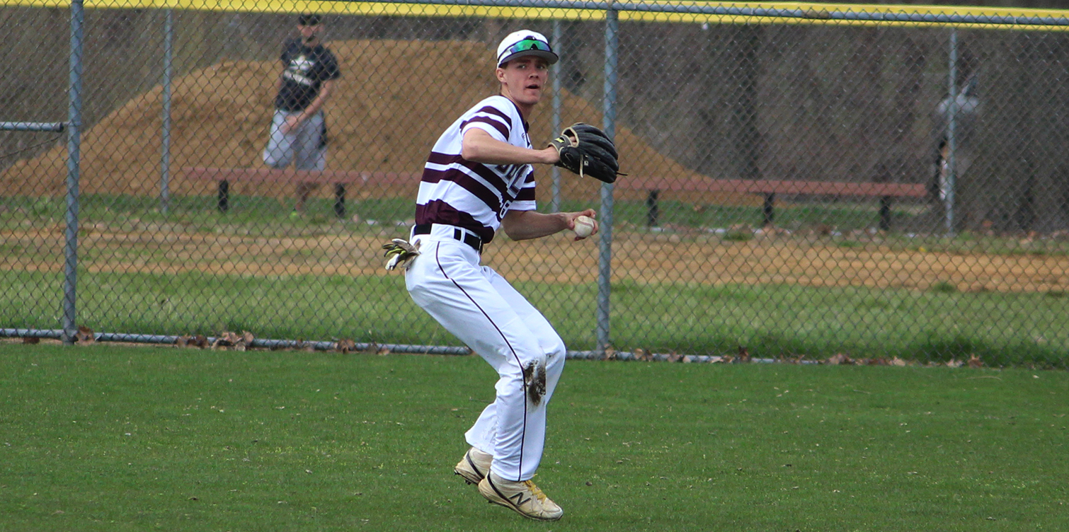 Dezzi and Whittington Both Have Four-Hit Games; Baseball Drops Two Close Games in Season-Finale at Bloomfield