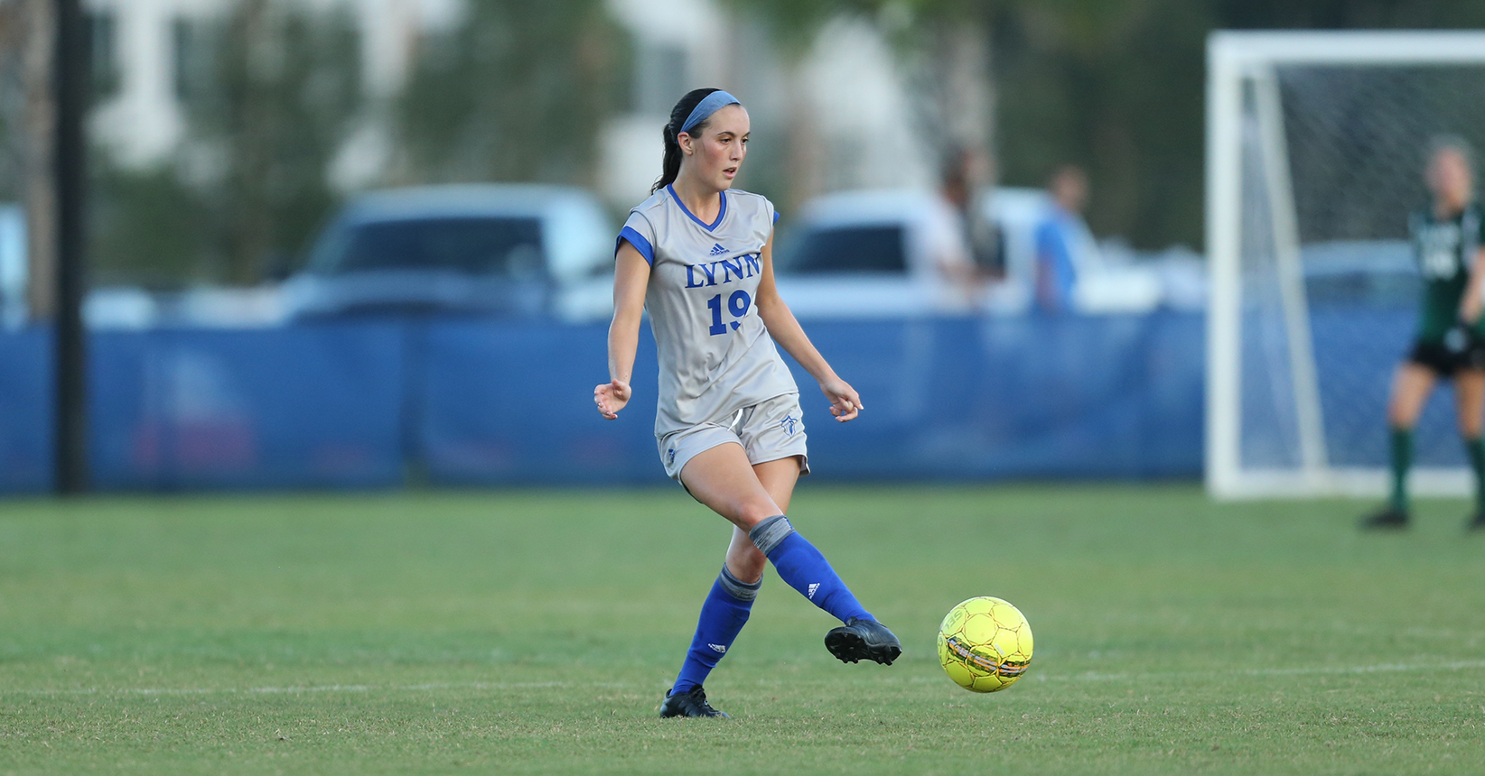 Trojans Slip By Women's Soccer