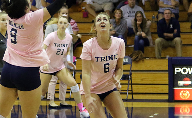 Women's Volleyball Escapes Visiting Scots
