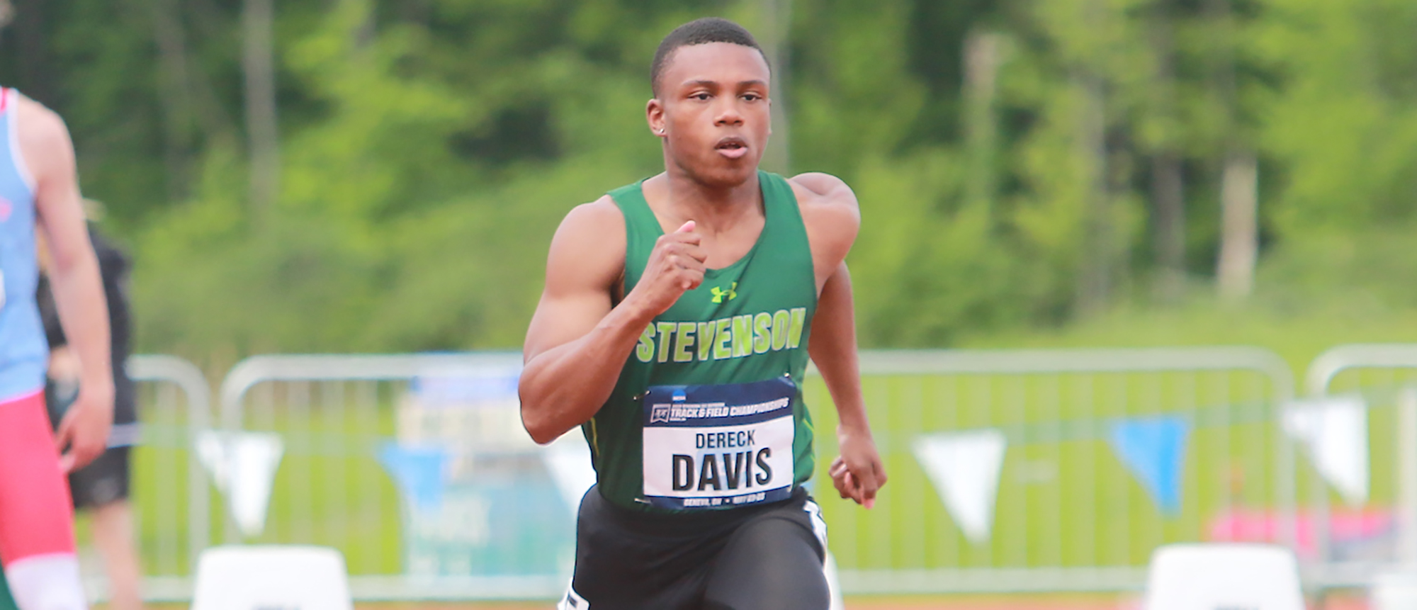 Dereck Davis Nearly Qualifies for NCAA 100 Meter Final, Finishes 10th