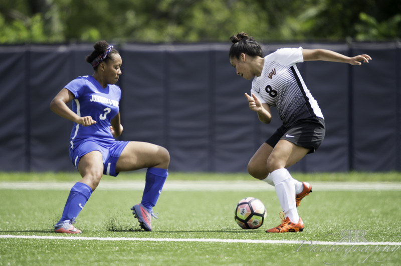 Late First Half Flurry Lifts Meredith Past Women's Soccer