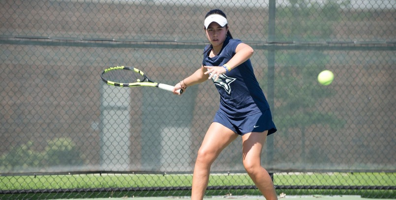 Women's Tennis moves to 2-0 after 6-1 win at Davenport