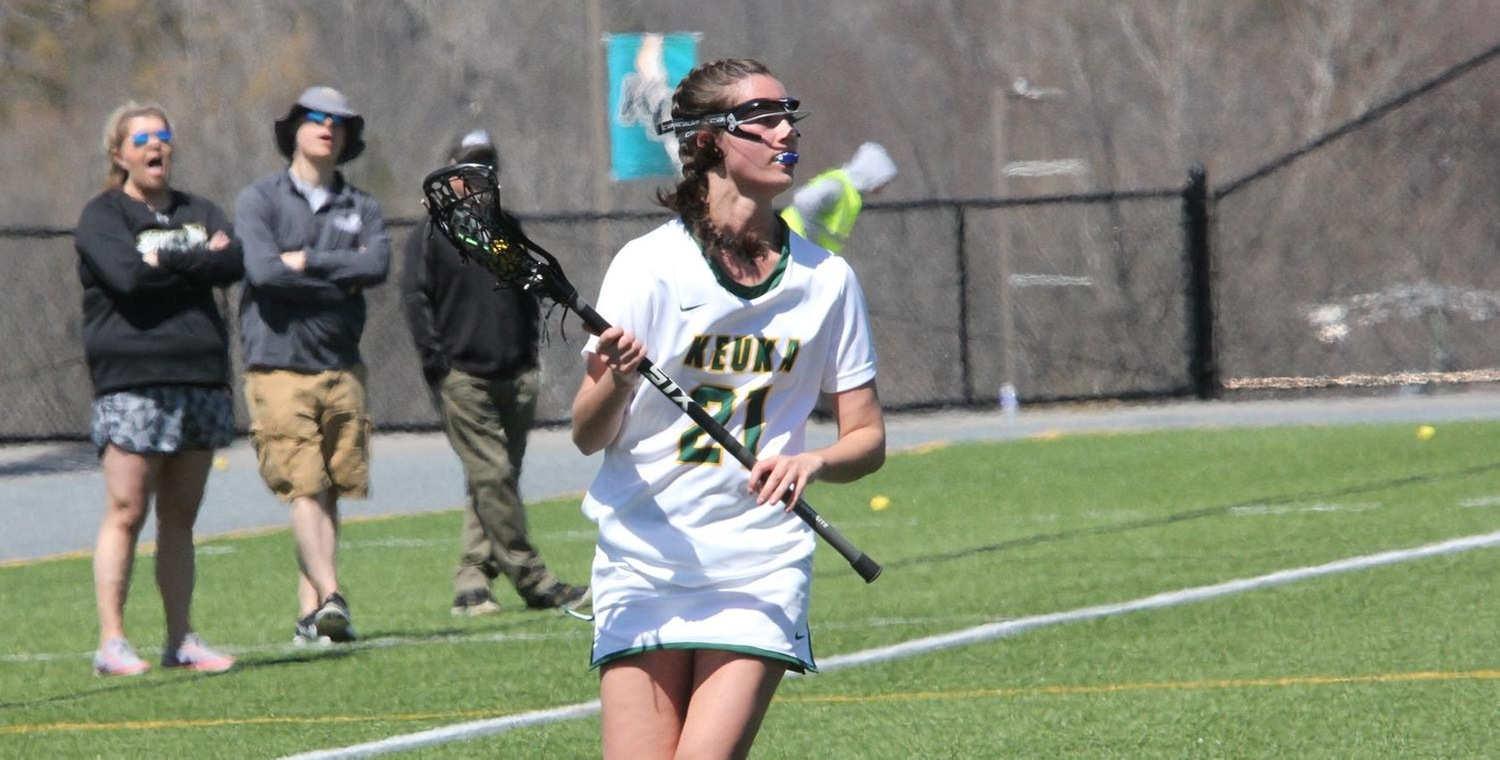 Brenna Voigt (21) had nine points on Friday with five goals and four assists