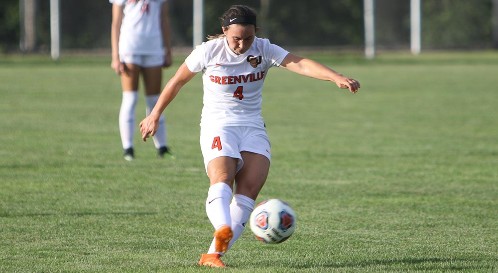 Women's soccer led by Pearce in 6-0 shutout of Illinois College