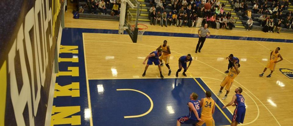 Men's Basketball Lose to Hanover