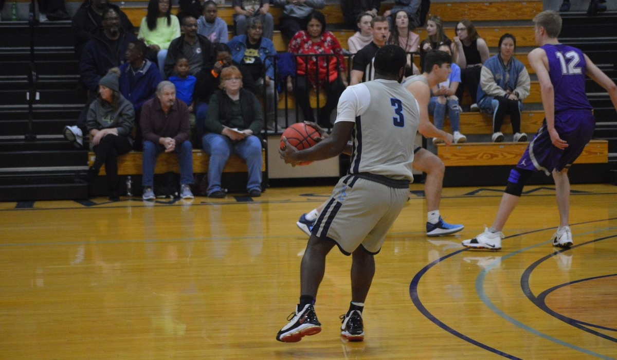 Westminster Men's Basketball Falls to MacMurray