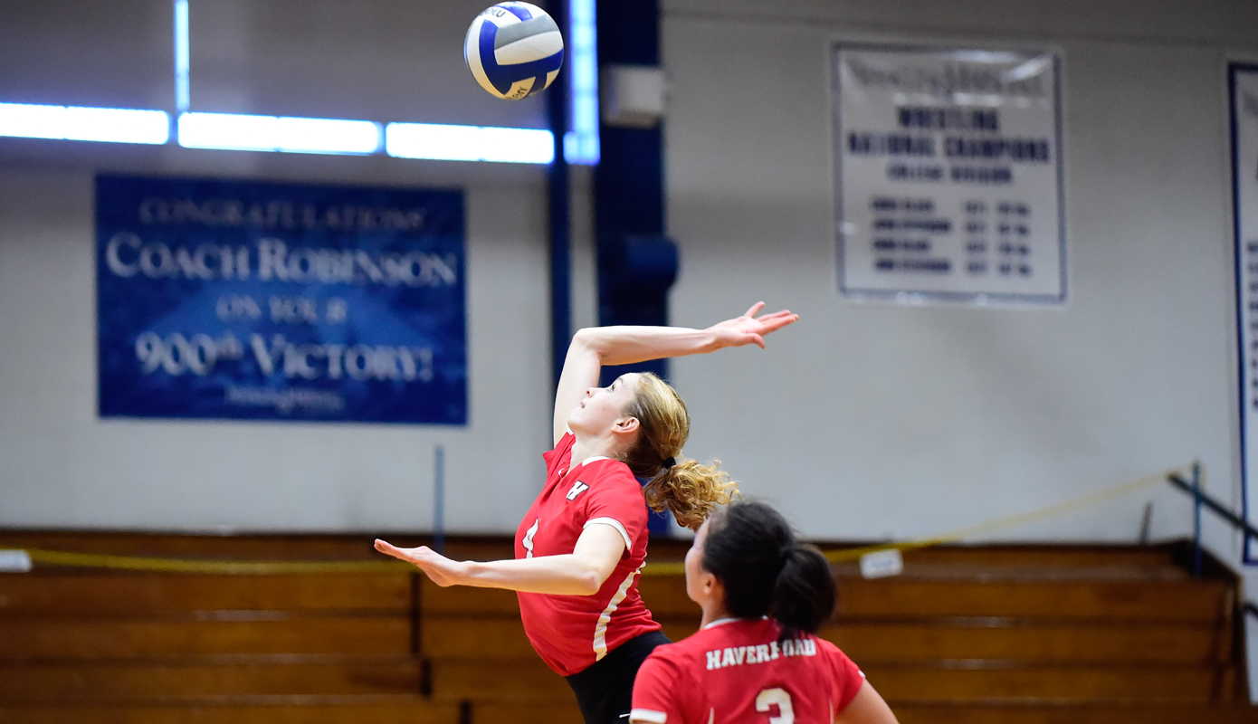 Opening Day Ends in Split for Volleyball