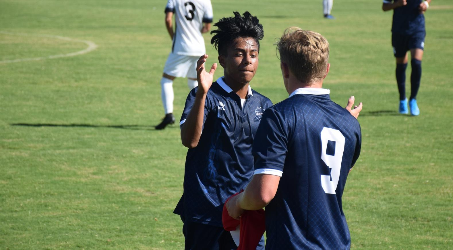 Men's soccer team tops Mesa for second straight victory
