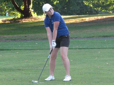 Blue Devils Finish Seventh at Mount Holyoke, Sarochova Ties for Third