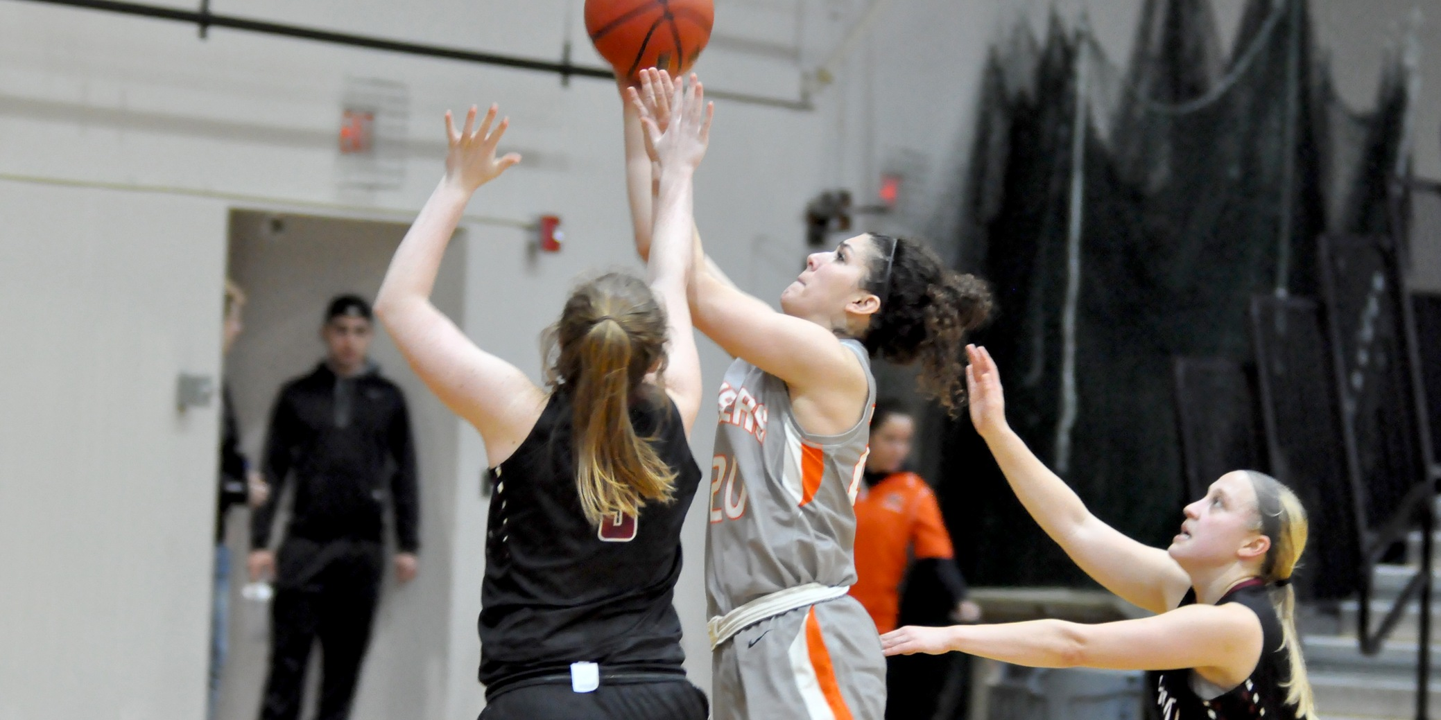 Pios win pivotal game against Whitworth