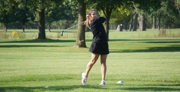 Women's Golf competes against Lake Forest in dual