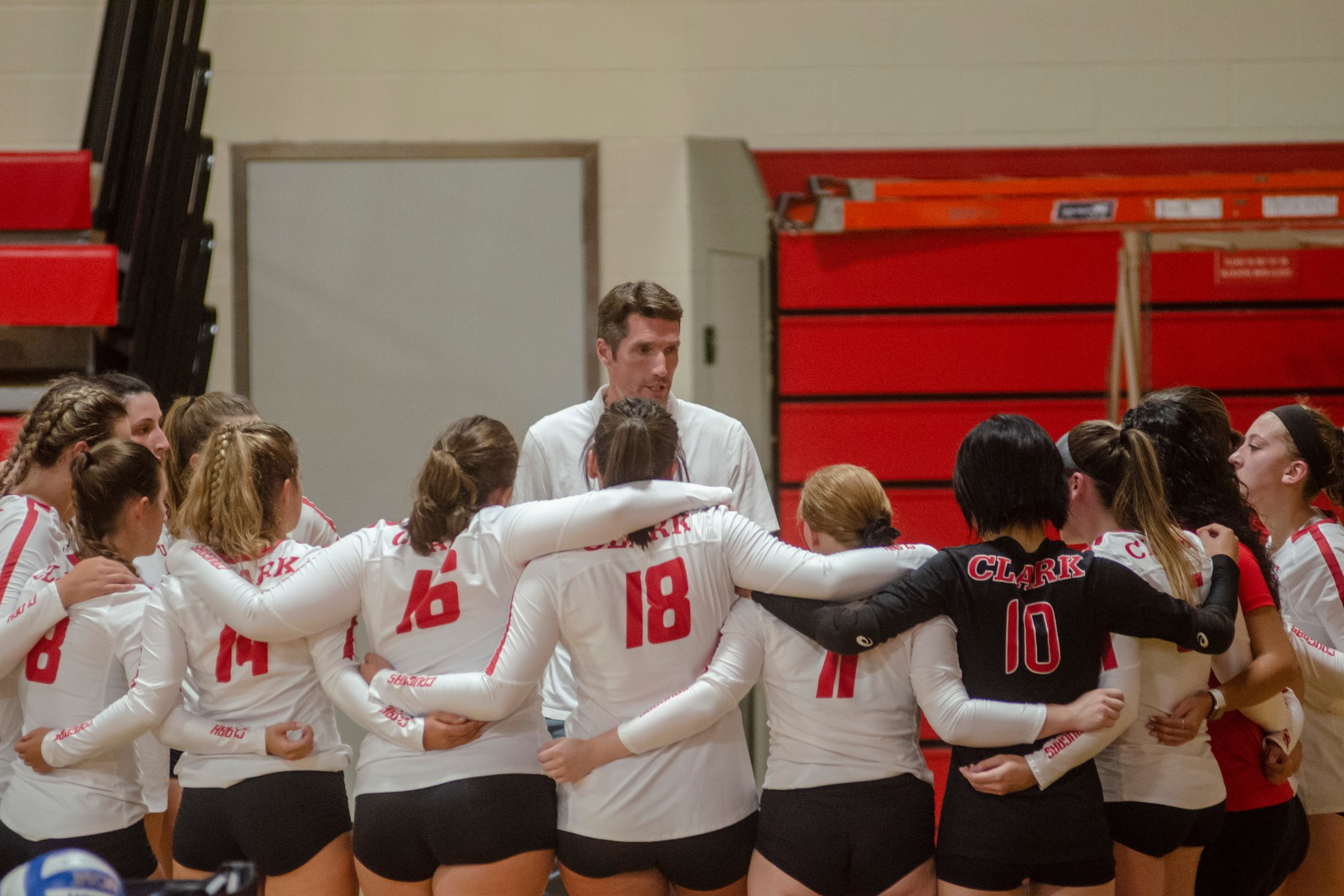 Cougars Fall to Babson & Kean in Road Tri-Match