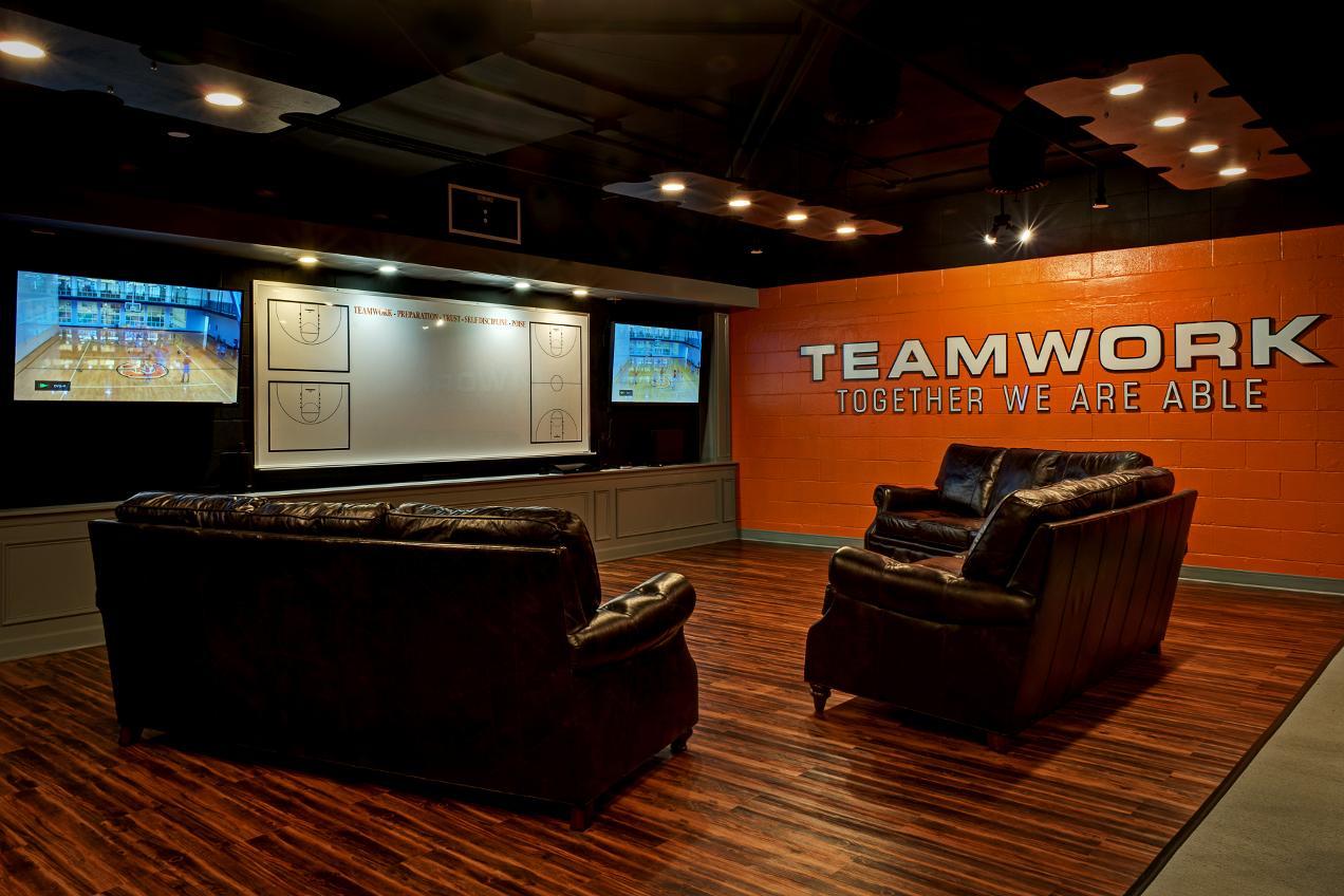 Men's basketball program unveils locker room renovations ...
