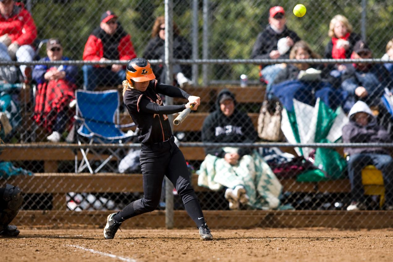 Softball Drops Both Games to George Fox
