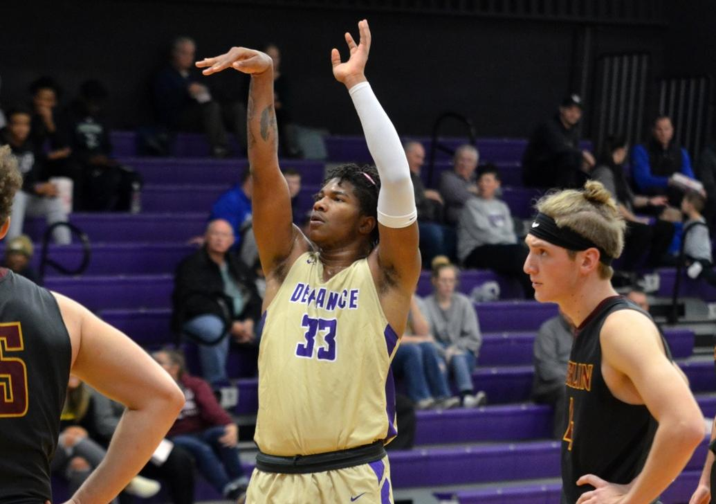 Men's basketball loses for first time this season after six wins