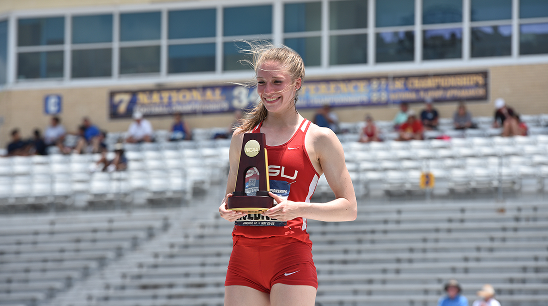 Lauren Huebner wins National Championship in the Heptathlon with record 5,364 points