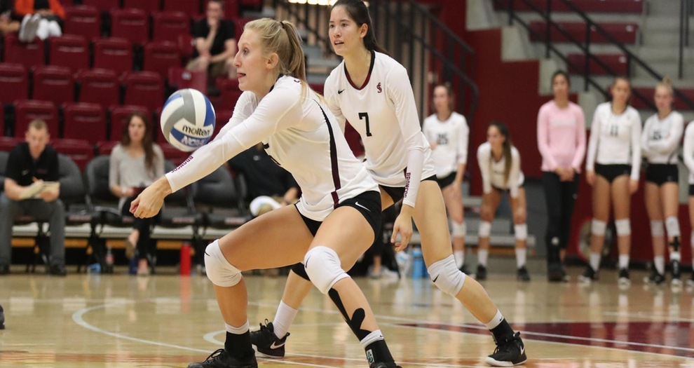 Volleyball Ends Homestand With Loss to Saint Mary's