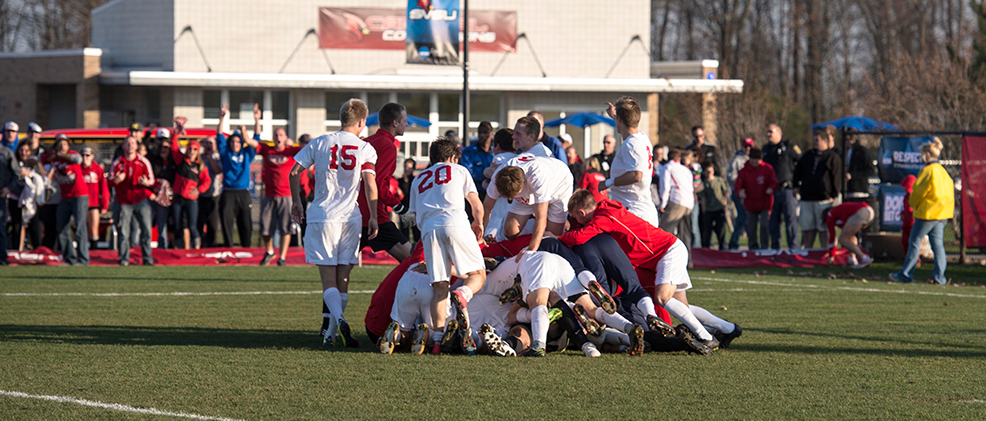 Cardinals Advance to Round of 16 with Shootout Win Over Quincy