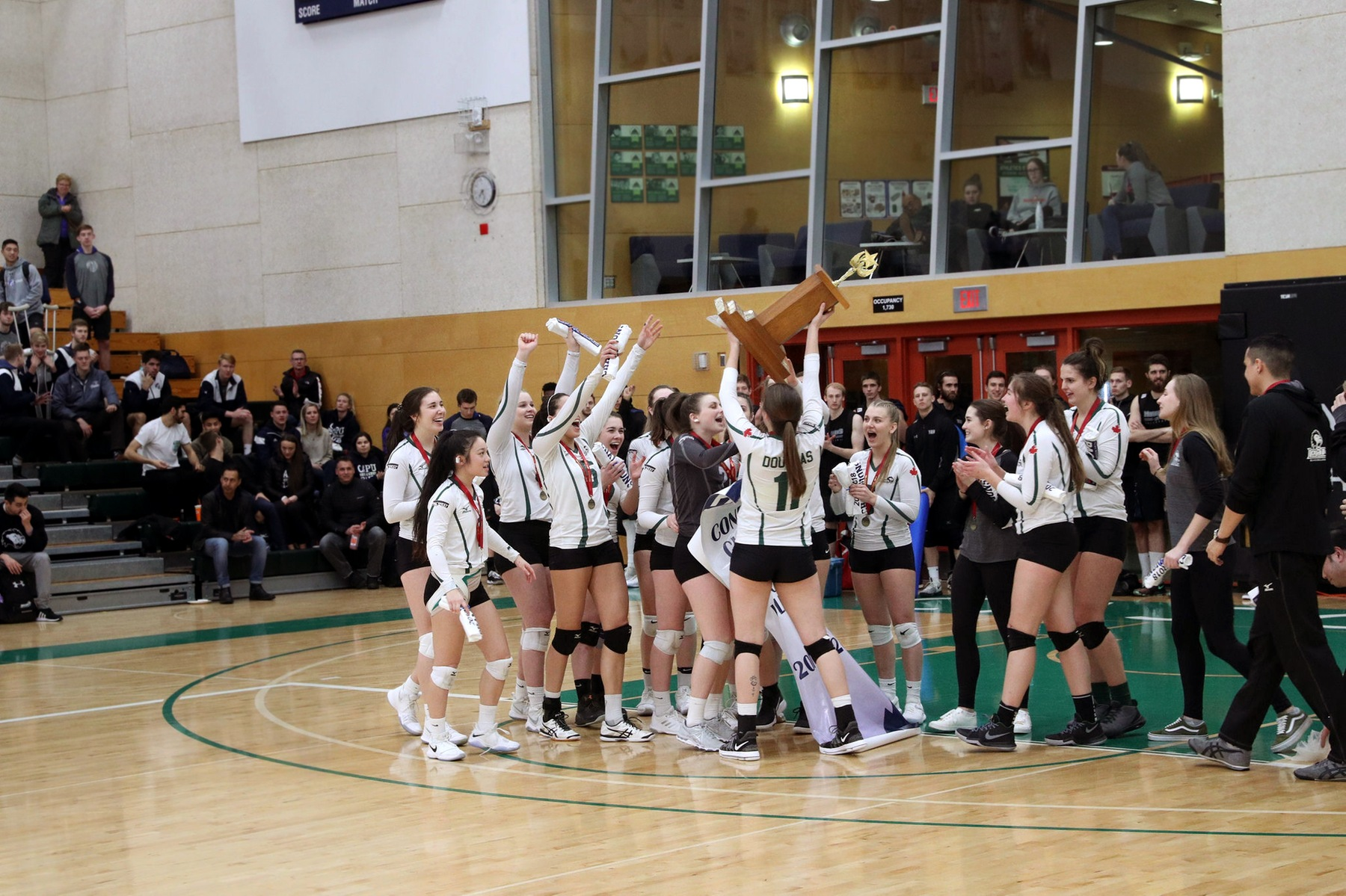 Women's Volleyball wins first Provincial title since 1995