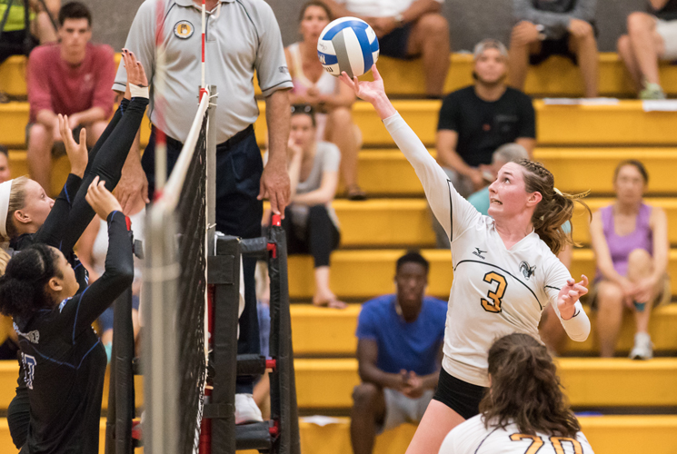 Volleyball Pulls Out Five Set Victory over Western New England