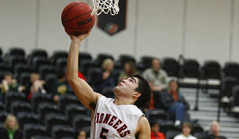 Men's Basketball Edged Out by George Fox 61-56