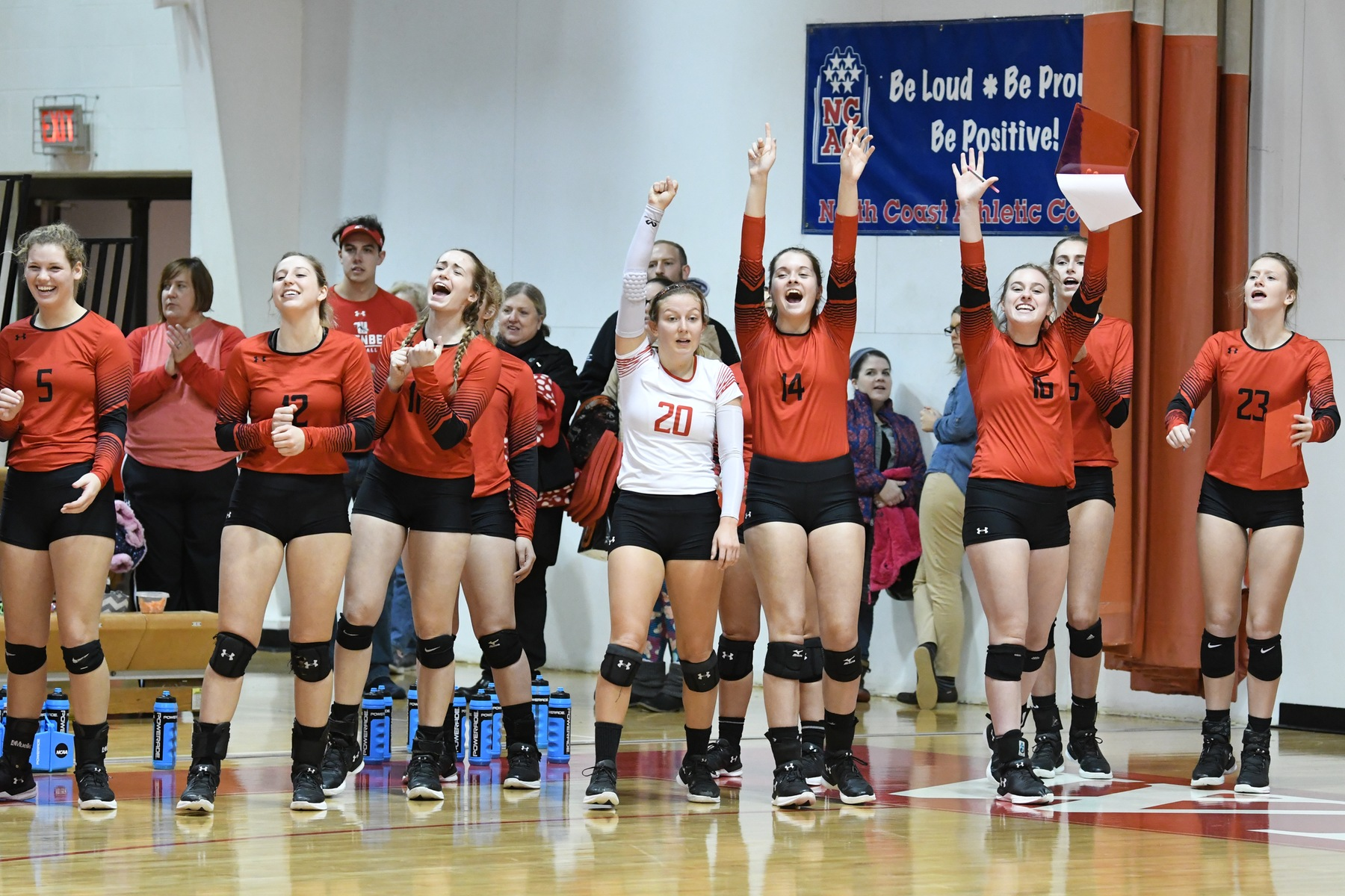 The third-ranked Wittenberg women's volleyball team wrapped up the regular season with a thrilling 3-2 come-from-behind win over Earlham on Tuesday night