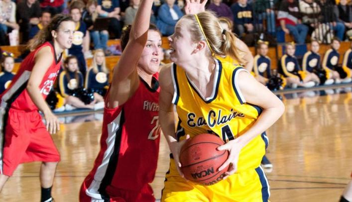 Women's Basketball Narrowly Falls to Nationally-Ranked Yellowjackets