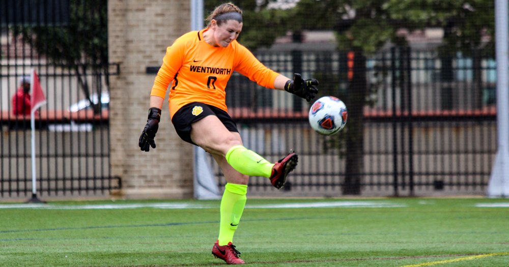 Keepers Stand Tall as Women's Soccer Battles Curry to 0-0 Draw