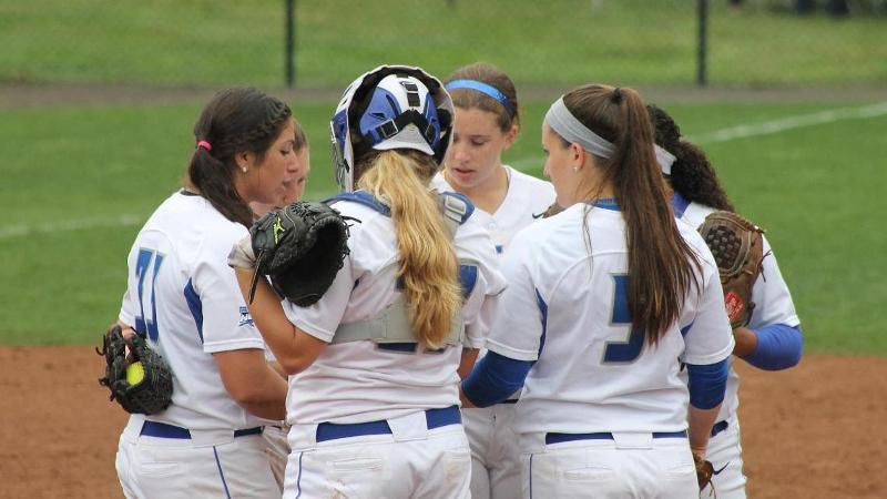 Softball Falls to Bryant 3-2 in Nine Innings
