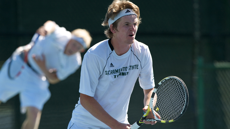 MEN'S TENNIS FALLS TO PACIFIC, 5-2
