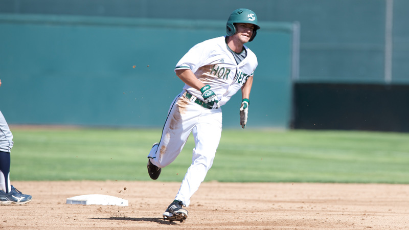BASEBALL WINS 30TH GAME WITH COME-FROM-BEHIND VICTORY OVER UC DAVIS